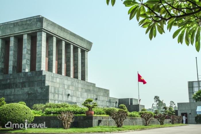 tour indocina Ho Chi Minh Mausoleum