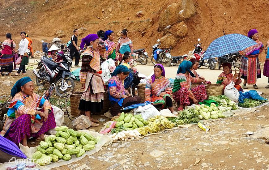 Reparto di verdura del mercato di Can Cau