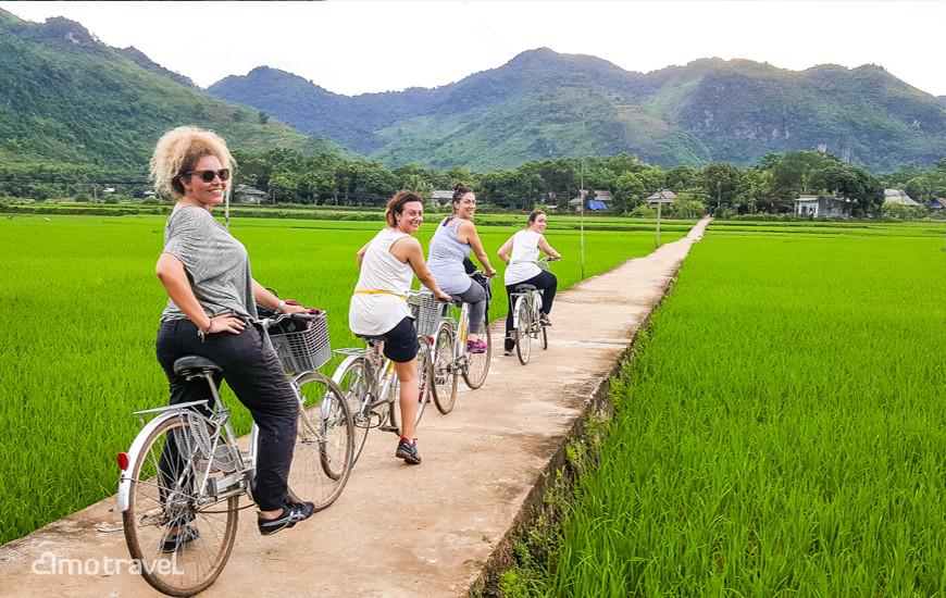 Giro in bicicletta a Mai Hich, Mai Chau Vietnam