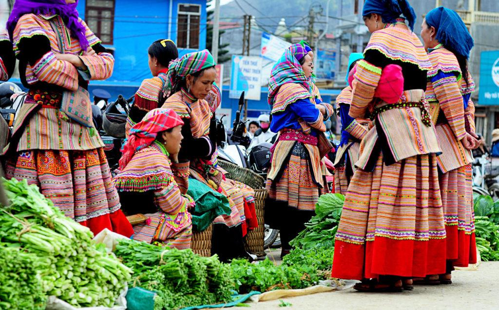 Il mercato di Lung Khau Nhin nel distretto di Muong Khuong, Sapa Vietnam