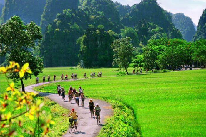 3 giorni autentici in bicicletta intorno a Tamcoc, nella baia di Halong a terra